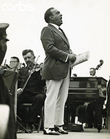 Caruso singing